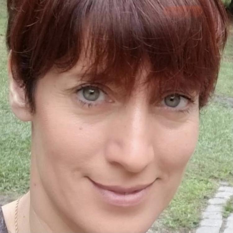 Laura Guastella headshot